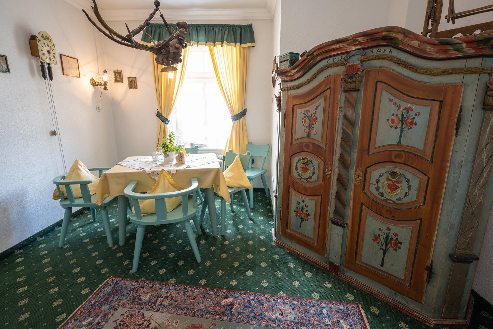 Stüberl Hotel Garni Hubertus Fulpmes Stubaital