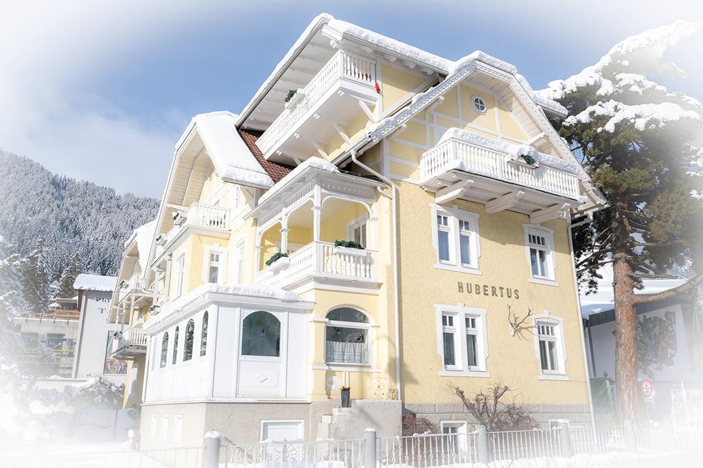 Außen Ansicht Hotel Garni Hubertus Fulpmes Stubaital